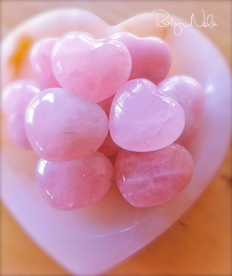rose-quartz-hearts-inspirational-gifts